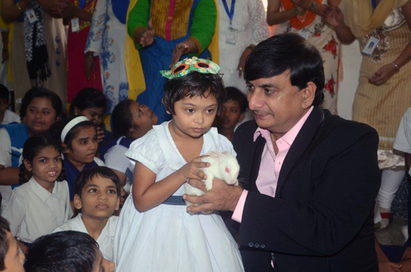 jay-vakeel-kids-and-cmalin-childrens-day-2